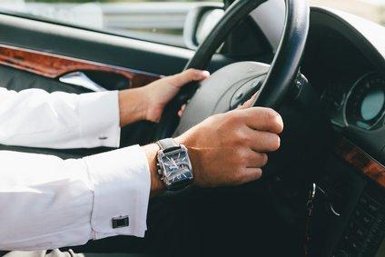 ייעוץ כלכלי - האם לרכוש רכב חדש, משומש או בליסינג